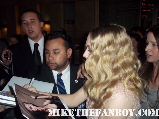 sexy amanda seyfried signing autographs at the Gone More premiere red carpet with amanda seyfried jennfer carpenter wes bentley autographs hot sexy photo shoot  dexter