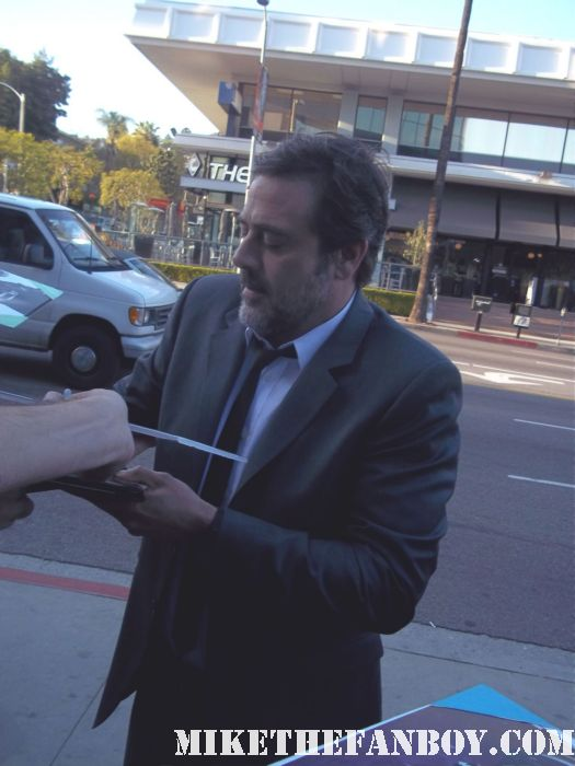 jeffrey dean morgan signing autographs for fans at the magic city premiere at the dga in hollywood