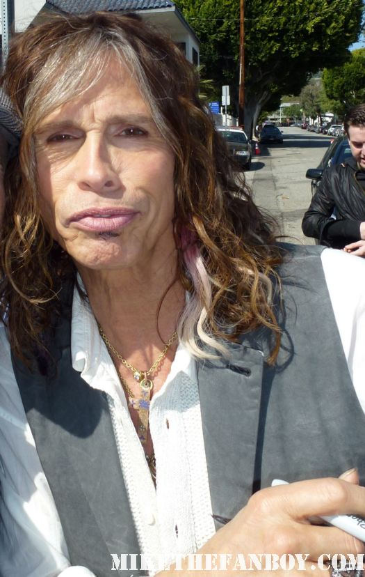 STEVEN TYLER signing autographs for fans at a charity event in hollywood rare promo hot aerosmith lead singer rare janie's got a gun