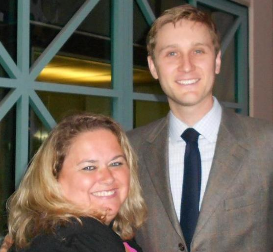 aaron staton posing for a fan photo with pretty in pinky from mike the fanboy signed autograph hot sexy signature