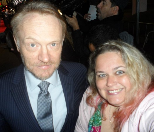 jared harris posing for a fan photo with pretty in pinky from mike the fanboy signed autograph hot sexy signature