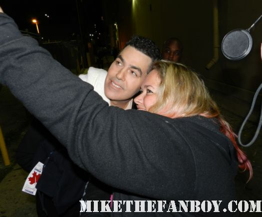 adam corolla signing autographs after a taping of jimmy kimmel live just as leslie bibb disses fans signed autograph