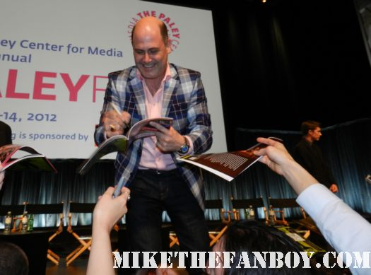 john slattery Matthew Weiner signing autographs for fans at the 2012 paleyfest mad men panel rare promo hot sexy