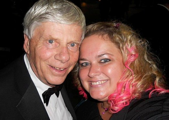 robert morse posing for a fan photo with pretty in pinky from mike the fanboy signed autograph hot sexy signature