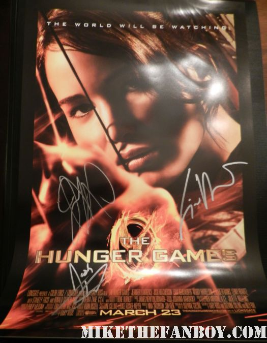 hunger games cast signed autograph mini poster jennifer lawrence josh hutcherson liam hemsworth