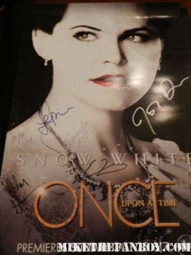 once upon a time cast signed autograph mini poster ginnifer goodwin jennifer morrison Lana Parrilla paleyfest 2012 d23 rare snow white mini poster promo