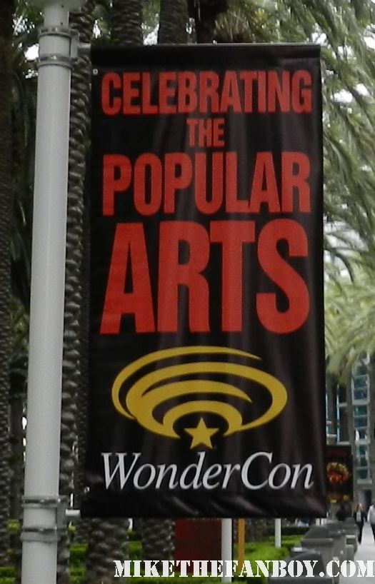 wondercon 2012 rare banners outside the anaheim convention center rare promo los angeles disney