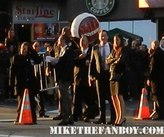 chris klein signing autographs at the american reunion movie premiere red carpet with alyson hannigan jason biggs seann william scott  eugene levy chris klein