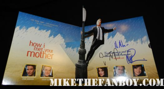 jason segel neil patrick harris signed autograph how I met your mother press kit rare promo