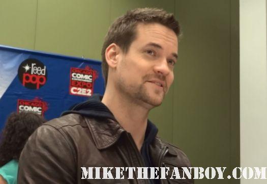 sexy shane west at the mike the fanboy exclusive nikita interview at c2e2 chicago comic con rare hot sexy nikita star rare promo
