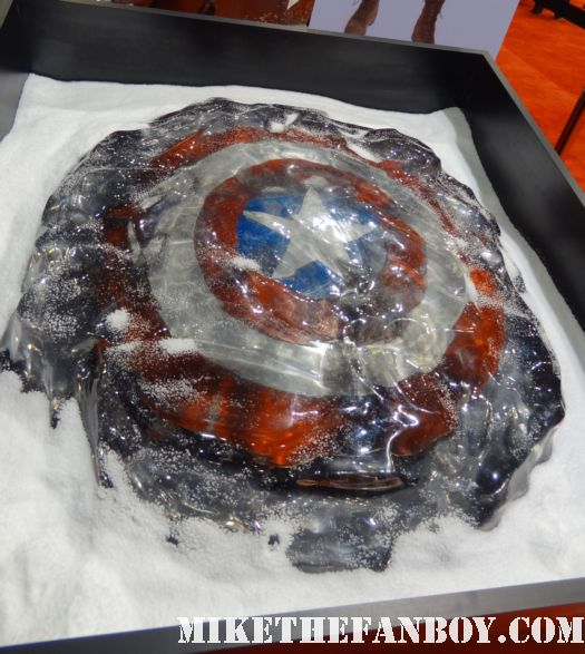 frozen prop shield captain america prop and costume display at chicago's c2e2 shield costume cosplay rare promo profiles in history auction