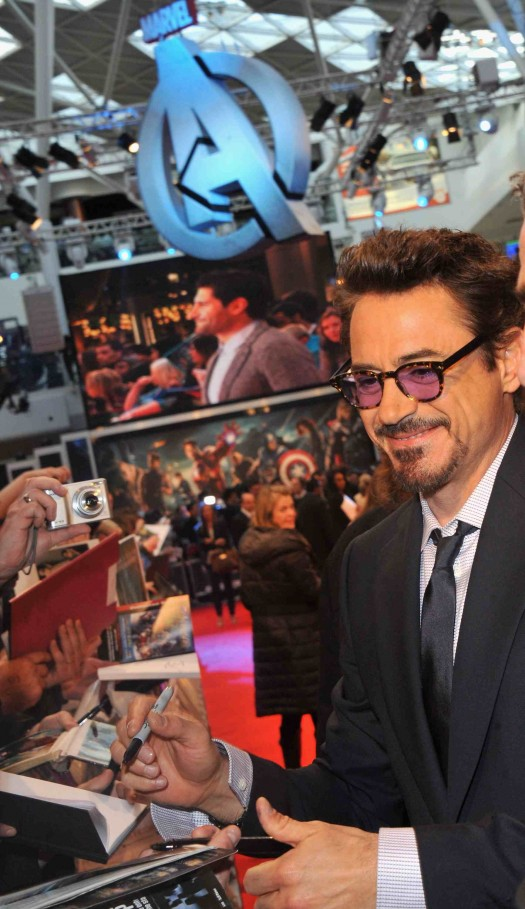 Marvel Avengers Assemble - European Premiere - robert downey jr. signing autographs for fans on the red carpet iron man tony stark himself!
