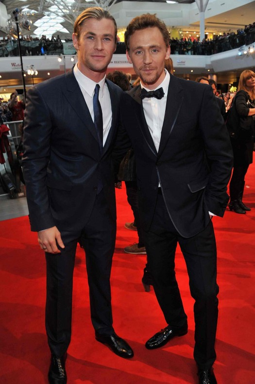 Marvel Avengers Assemble - European Premiere - chris hemsworth and tom hiddleston pose on the red carpet rare promo thor and loki