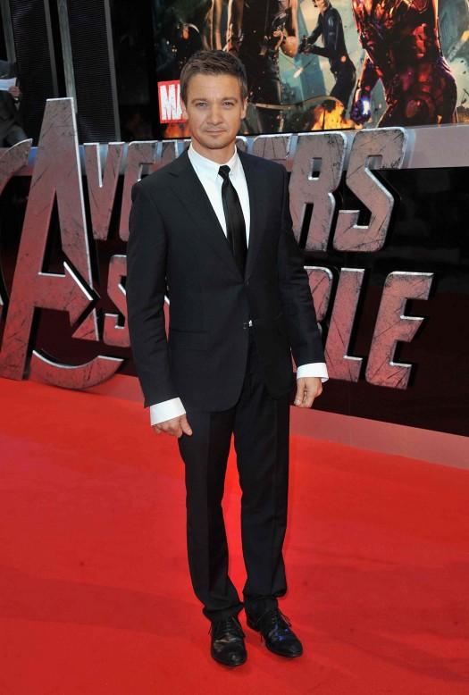 Marvel Avengers Assemble - European Premiere - Inside Arrivals sexy jeremy renner posing on the red carpet hawkeye