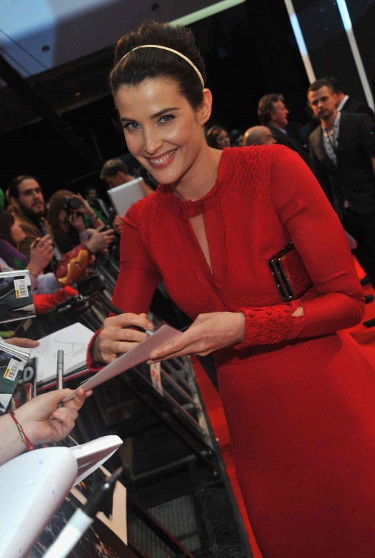 Marvel Avengers Assemble - European Premiere - colbie smulders signing autographs for fans on the red carpet how I met your mother