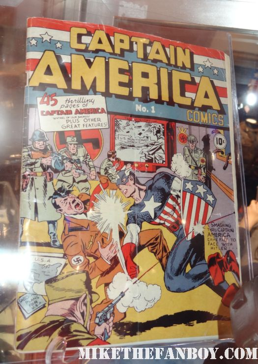 original captain america comic book captain america prop and costume display at chicago's c2e2 shield costume cosplay rare promo profiles in history auction