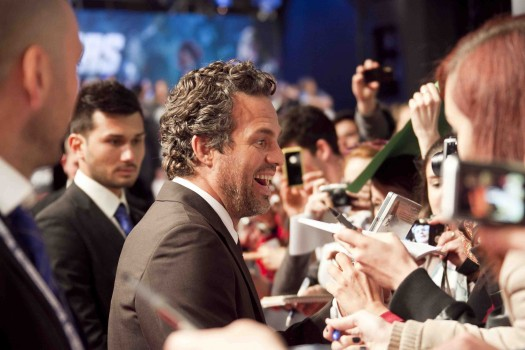 "sexy mark ruffalo signing autographs for fans at the avengers rome movie premiere hot sexy loki rare Premiere Of Marvel Studios' ""Marvel's The Avengers"" - Red Carpet"