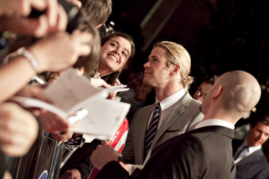 "sexy chris hemsworth signing autographs for fans at the avengers rome movie premiere hot sexy loki rare Premiere Of Marvel Studios' ""Marvel's The Avengers"" - Red Carpet"