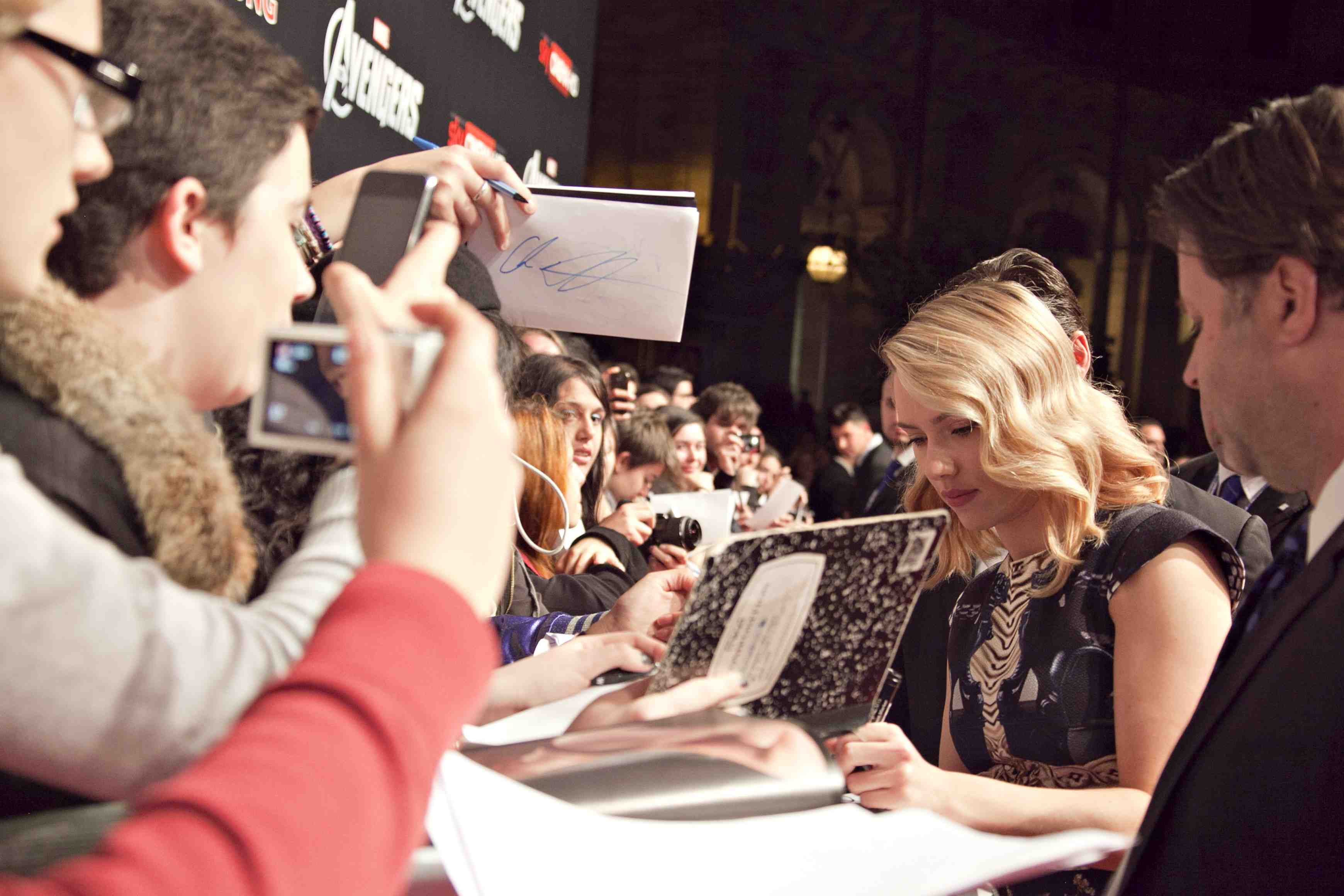 "sexy scarlett johansson signing autographs for fans at the avengers rome movie premiere hot sexy loki rare Premiere Of Marvel Studios' ""Marvel's The Avengers"" - Red Carpet"