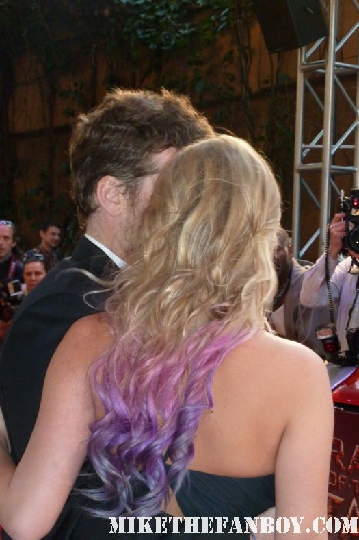 sam worthington with his partner crystal on the red carpet at the men moviing giant columns at the wrath of the titans uk london movie premiere rare signed autograph sam worthington