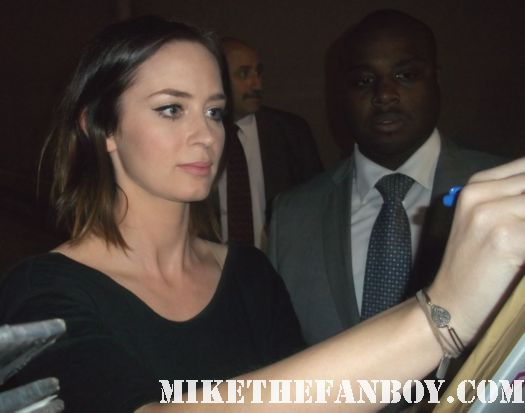 emily blunt signing autographs for fans outside a talk show taping promoting the five year engagement hot sexy devil wears prada star