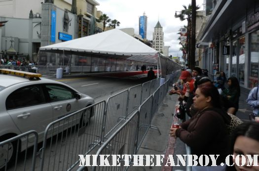 the avengers world movie premiere fan barricades on the red carpet with chris hemsworth chris evans samuel l jackson and more