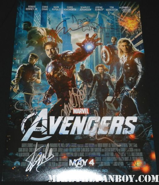 the avengers cast signed autograph mini movie poster chris evans chris hemsworth samuel l jackson jeremy renner scarlett johansson stan lee joss whedon