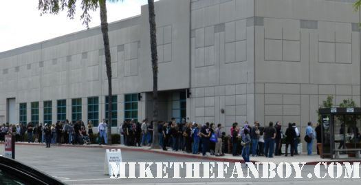 monsterpalooza 2012 the line stretching around the building waiting to see the fright night panel monsters cosplay gargoyles and more