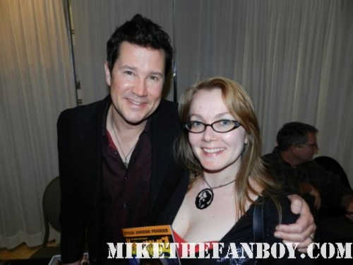 fright night star william ragsdale aka charlie brewster posing for a fan photo with annette slomka at monsterpalooza 2012