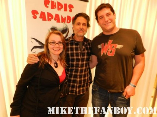 fright night star Chris Sarandon aka jerry dandridge posing for a fan photo with mike the fanboy and annette slomka at monsterpalooza 2012