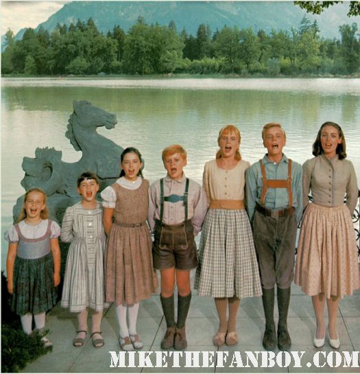 the von-trap-children posing together from the sound of music rare promo press still the hollywood show rare promo photo julie andrews