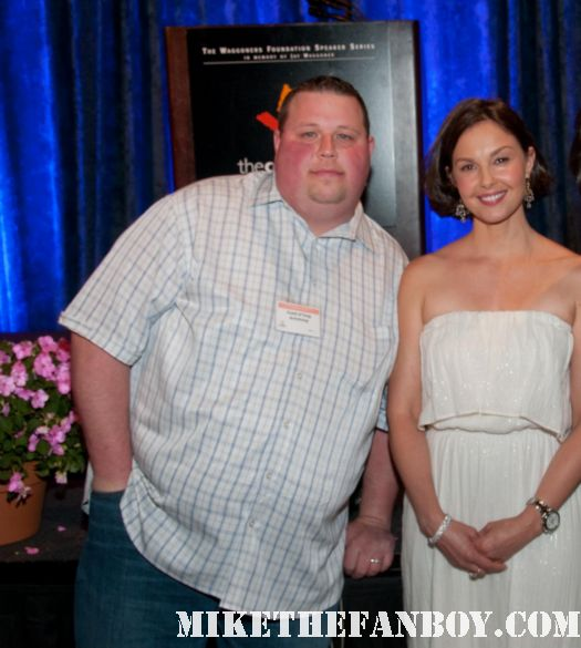 chuck our man in texas poses for a fan photo with double jeopardy star ms. ashley judd hot sexy rare promo autographs