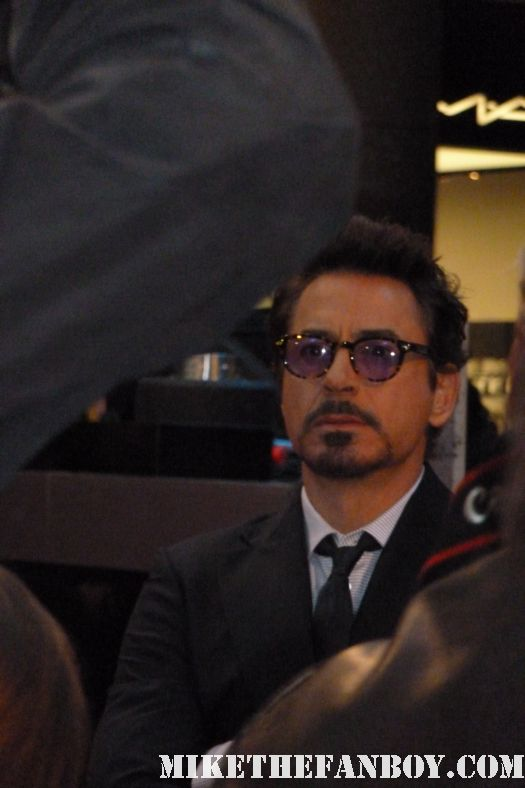 robert downey Jr. s arriving to the world london premiere of the avengers rare promo hot sexy hawkeye