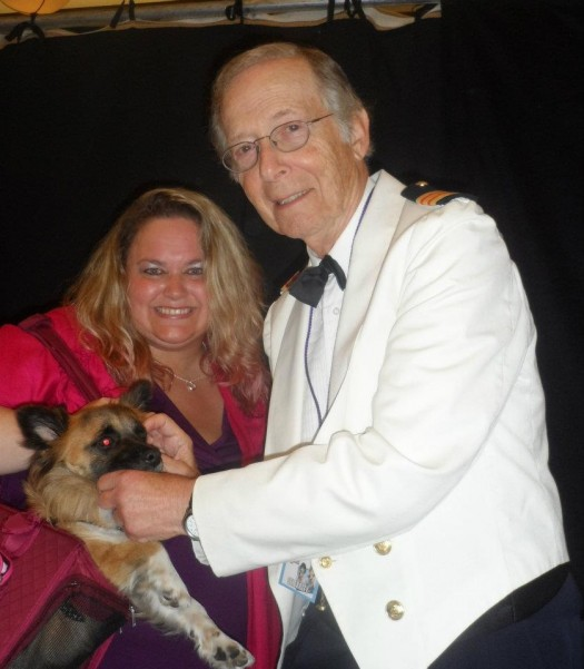 pretty in pinky posing with bernie kopell from the love boat at the hollywood collector's show signed autograph rare promo hot
