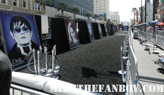 the dark shadows world movie premiere red or black carpet with johnny depp michelle pfeiffer tim burton