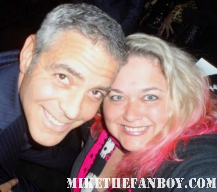 george clooney poses for a fan photo with mike the fanboy's pinky pretty in pinky pinkylovejoy rare promo hot