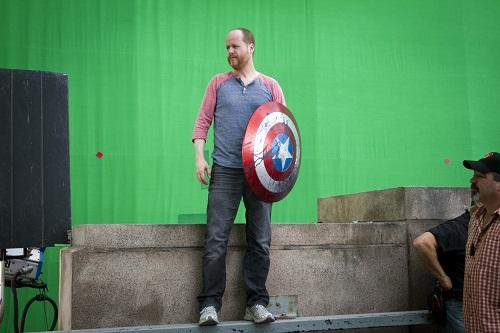 joss whedon behind the scenes of the avengers green screen with chris hemsworth chris evans mark ruffallo