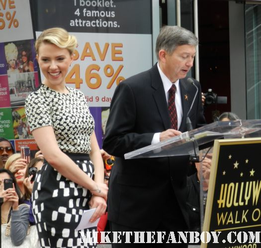 scarlett johansson giving her speech at her walk of fame star ceremony in hollywood rare promo hot sexy signed autograph