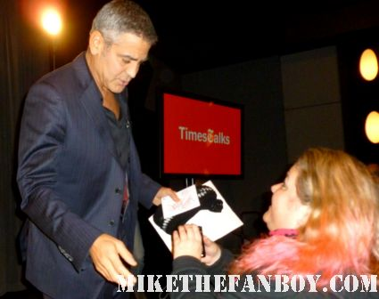 george clooney signing autographs for pinky at the the times talk with george clooney and alexander payne talking about the descendants rare promo press