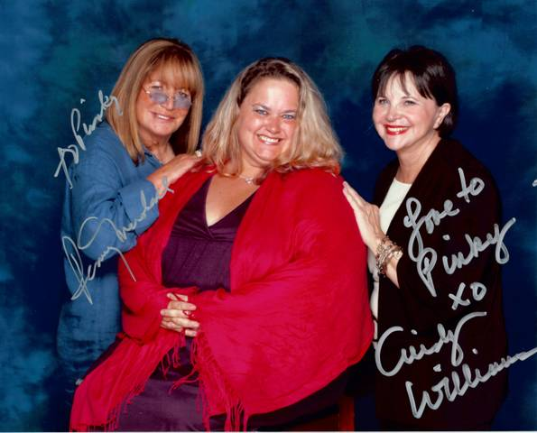 pinky from mike the fanboy with the reunited cast of laverne and shirley at the hollywood collector's show penny marshall garry marshall cindy wiliams signed autographs