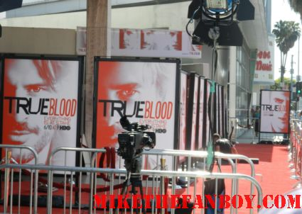 pretty in pinky at the True Blood Season 5 Premiere Report! With Alexander Skarsgard! Stephen Moyer! Rutina Wesley! Sam Trammell! Nelson Ellis! Joe Manganiello! Kristin Bauer! Autographs! Photos! and More!