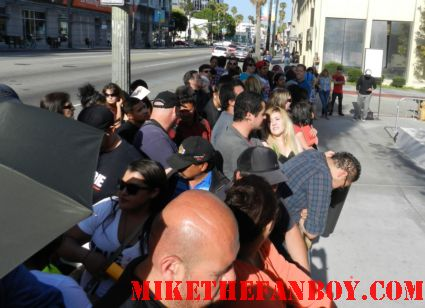 the fans at the True Blood Season 5 Premiere Report! With Alexander Skarsgard! Stephen Moyer! Rutina Wesley! Sam Trammell! Nelson Ellis! Joe Manganiello! Kristin Bauer! Autographs! Photos! and More!