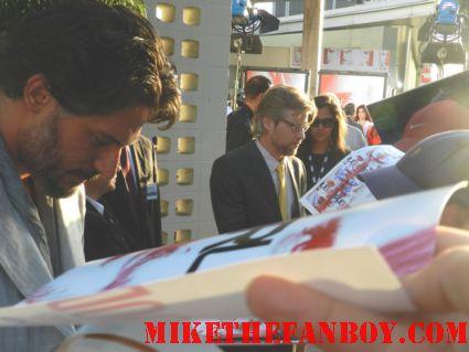 Joe Manganiello signing autographs for fans at the true blood season 5 world movie premiere rare promo