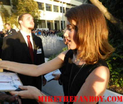 lucy griffiths signing autographs for fans at the true blood season 5 world movie premiere rare promo