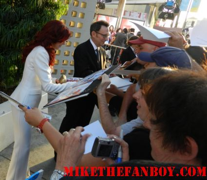 carrie preston and michael emmerson signing autographs for fans at the true blood season 5 world movie premiere rare promo