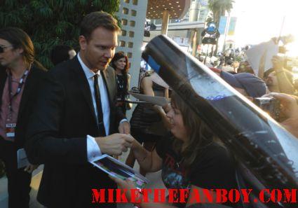 jim parrack signing autographs for fans at the true blood season 5 world movie premiere rare promo