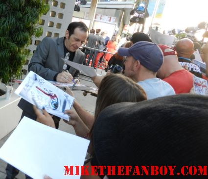 Dennis O'Hare signing autographs for fans at the true blood season 5 world movie premiere rare promo