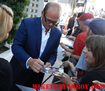 chris bauer signing autographs for fans at the true blood season 5 premiere rare hot sexy andy fellfleur