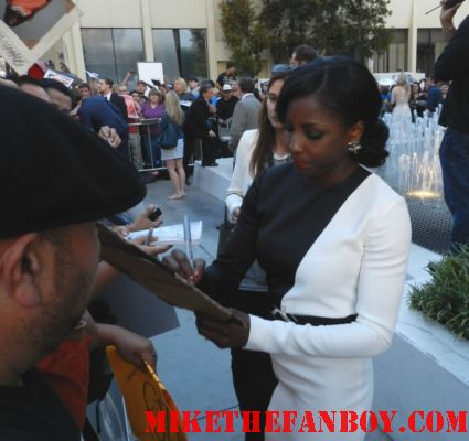 rutina wesley tara signing autographs for fans at the true blood season 5 premiere rare hot sexy andy fellfleur