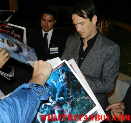 stephen moyer signing autographs at the true blood season 5 world premiere at the arclight hollywood rare promo bill compton hot sexy vampire rare